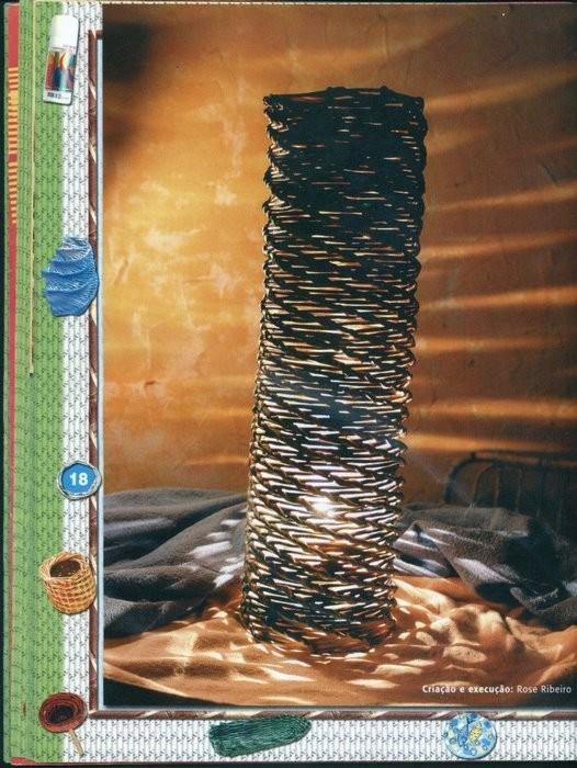 Плетение из газет.  Что можно сделать из старых журналов.  Вазы, рамки для фото, шкатулки, корзины и многое другое.