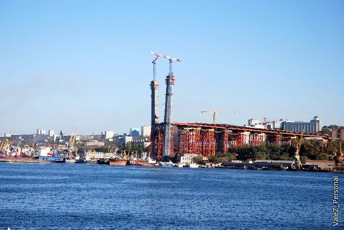"""Строящийся """"рогатый"""" мост через залив Золотого Рога"""