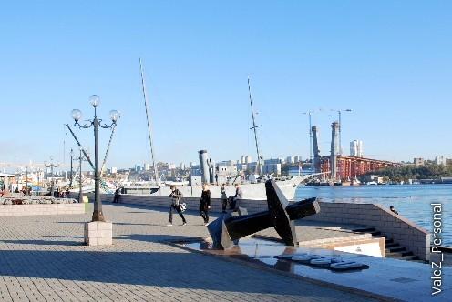 Место высадки основателей города, первый корабль Тихоокеанского флота