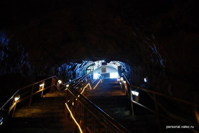 Черезвычайно цивилизованная пещера, наши в Крыму не сравнить