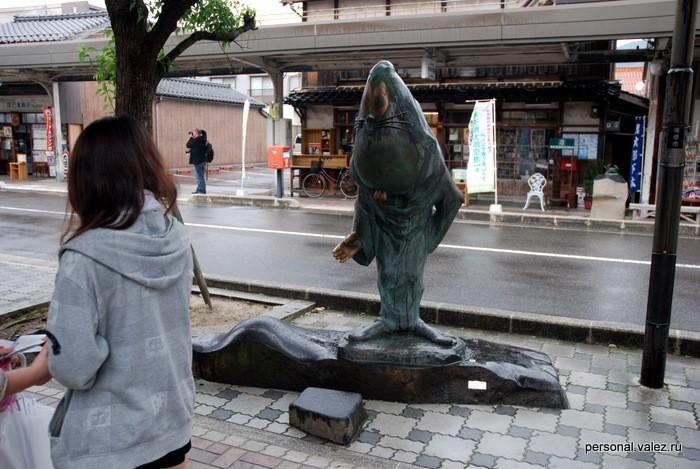 Самая крупная статуэтка, как я понимаю один из главных героев