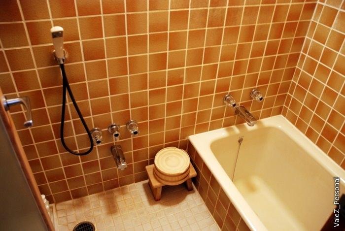 Ванная в номере - полноценный онсэн, если не нужна компания.