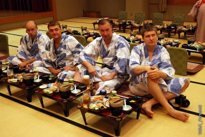 Храбрые самураи готовы пройти испытание четырьмя супами и шестнадцатью закусками к рису