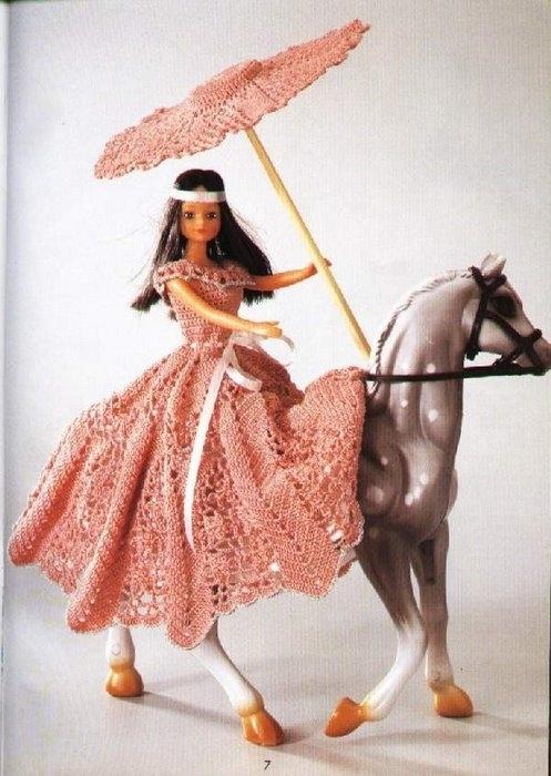 Вязанная одежда и аксессуары для кукол Брац.
