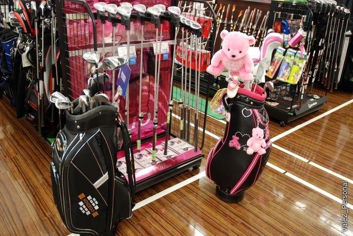 А это комплекты для гольфа, для мальчиков и девочек