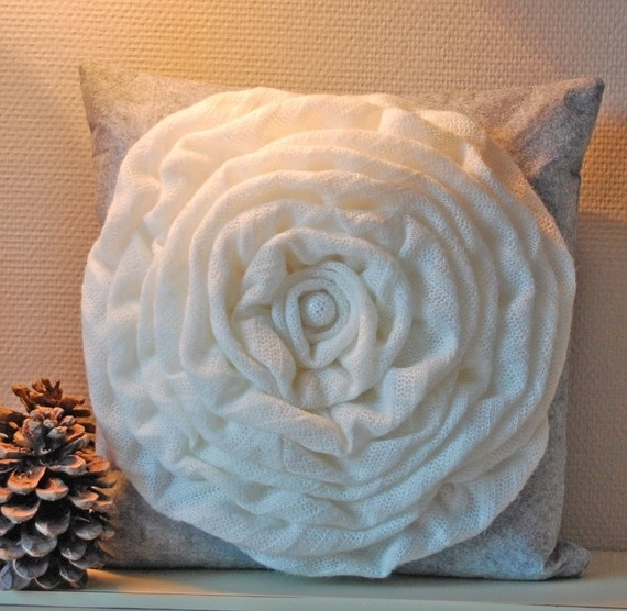 Ideas for sewing pillows.