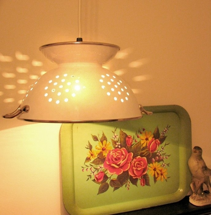 recycling art: lamps made of ceramic cup