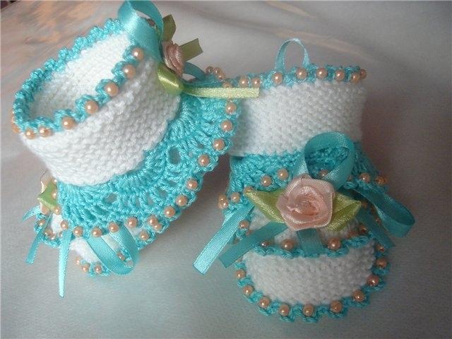 Вязание украшений на пинетки