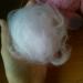 Кусочек белой шерсти хорошо распушить, сформировать шарик