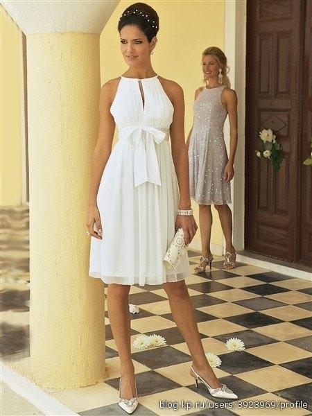 Вот варианты платьев.  Может кого-то и заинтересует.