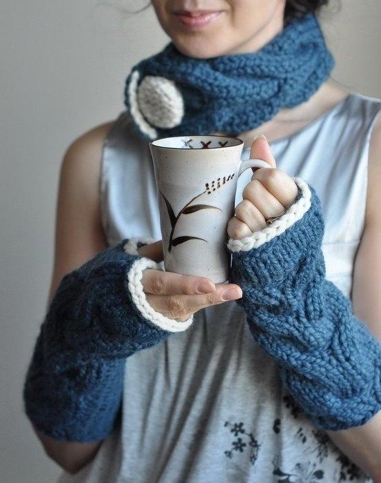 ороз и холод заставил модниц вновь обратиться к забытой части зимнего гардероба, такому аксессуару, как варежкам.