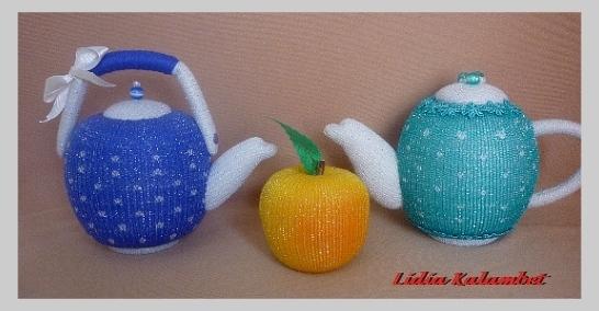 Сделать чайнички можно любые от миниатюрных до больших. Кому что нравится.
