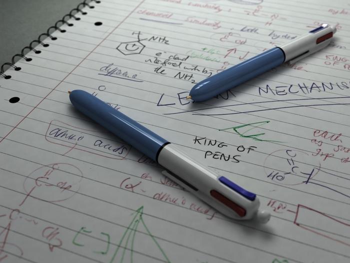 Надпись ручкой в картинках