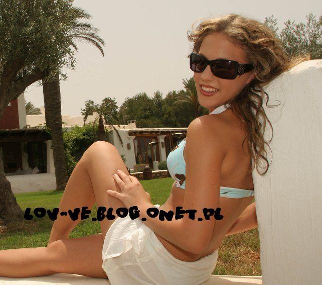 Lafee bikini fotos photos 774