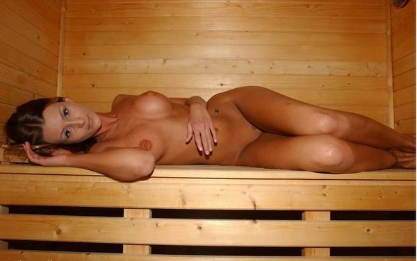 Частное фото девок в бане и сауне