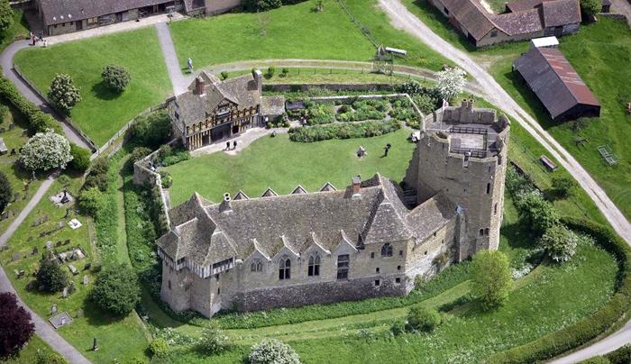 Руины европейских замков (700x404, 194Kb)