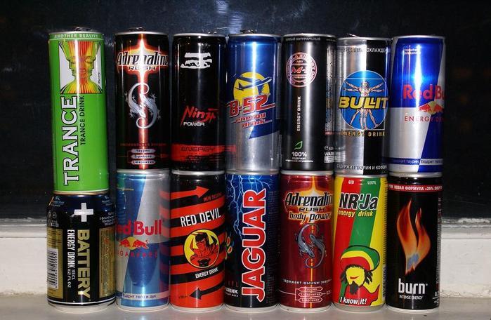 Медики не раз предупреждали об опасности энергетических напитков.