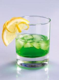 """Коктейль  """"Оле """".  Оформить ломтиком лимона.  В стакан олд фэшн со льдом..."""