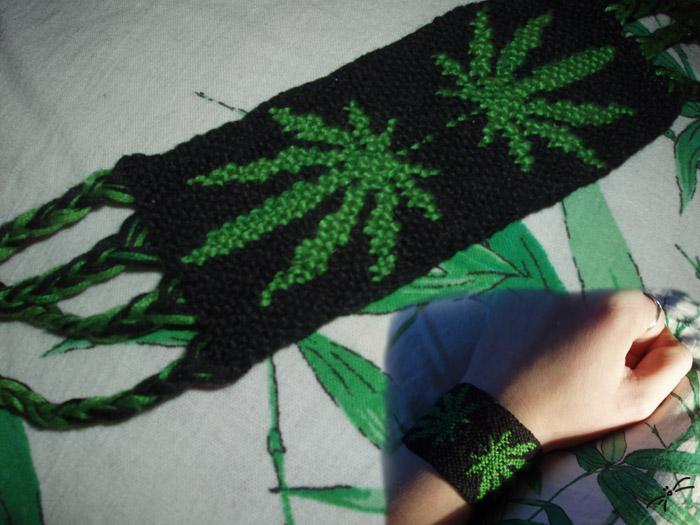 Фенечка из бисера конопля марихуана подросток что делать