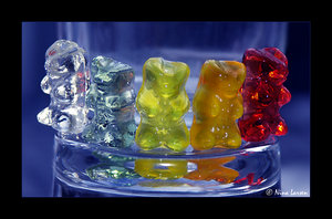 1413902_1189607137_18292987_Candy___Bear__s_by_ninazdesign (300x198, 19Kb)