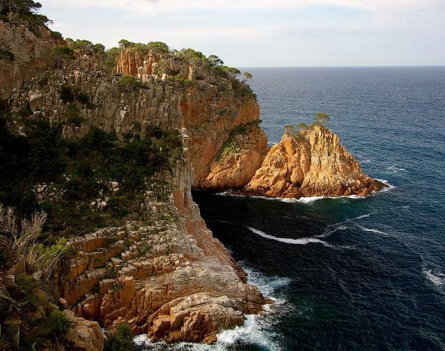 фото испанских морских берегов версия содержит