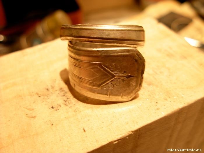 Как сделать кольцо из серебряной ложки (40) (700x525, 224Kb)