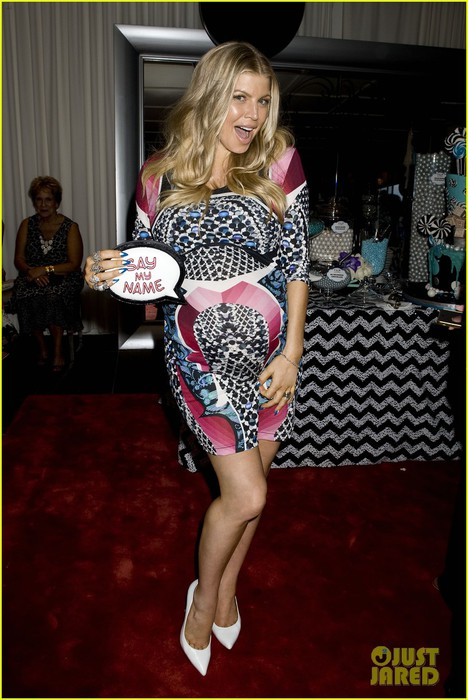 inside-fergie-baby-shower-with-josh-duhamel-exclusive-pics-01 (468x700, 94Kb)