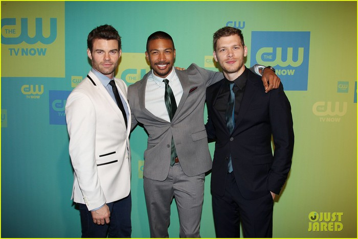 joseph-morgan-phoebe-tonkin-the-originals-cw-upfronts-17 (700x468, 65Kb)