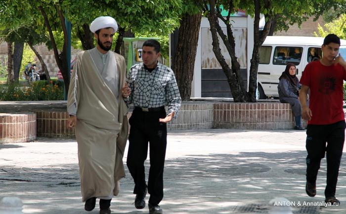 Иранцы. Какие они? IMG_8014 (700x433, 230Kb)