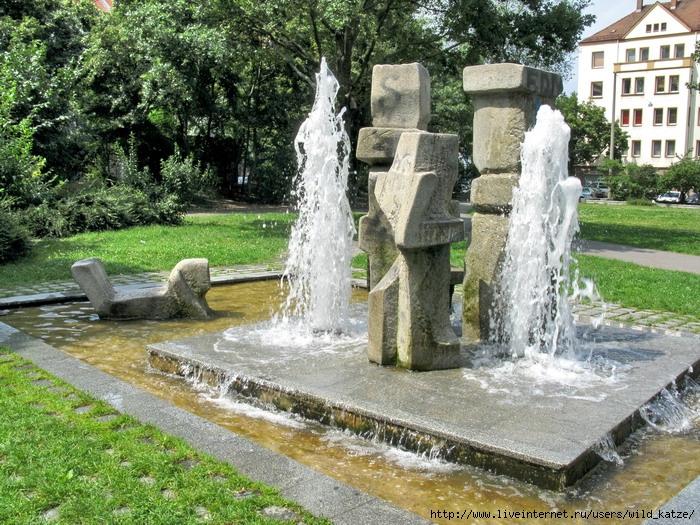 http://img1.liveinternet.ru/images/attach/c/0//47/88/47088630_Annaparkbrunnen.jpg