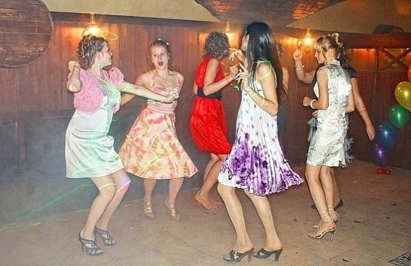 деревенские телки танцуют ладно