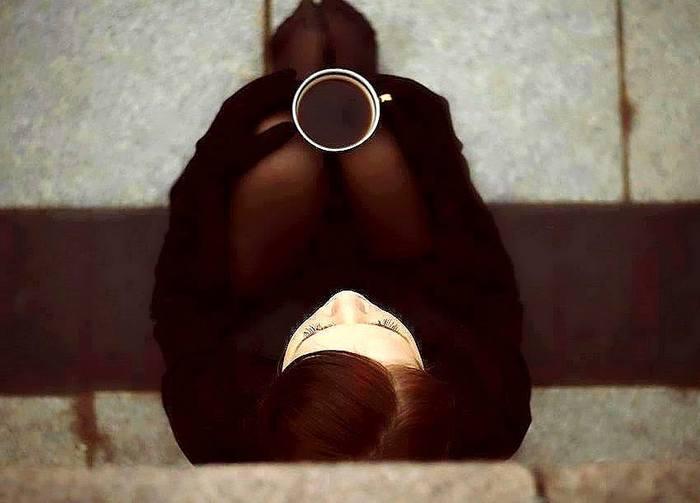 воскресный кофе девушка фото