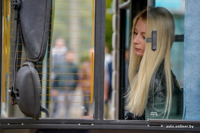 video-lesbi-fotka-v-avtobuse-s-blondinkoy-razglyadivanie