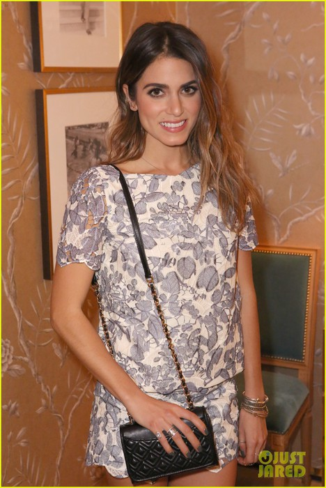 nikki-reed-aubrey-plaza-tory-burch-celebration-02 (468x700, 97Kb)
