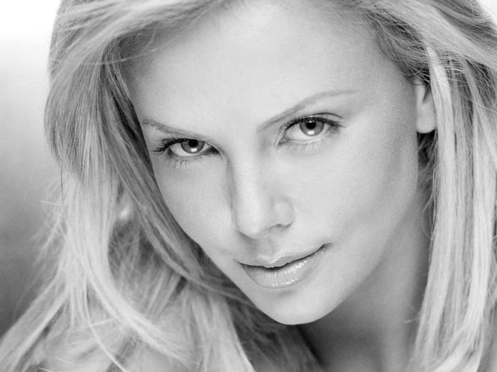 Charlize_Theron_217 (700x525, 39Kb)