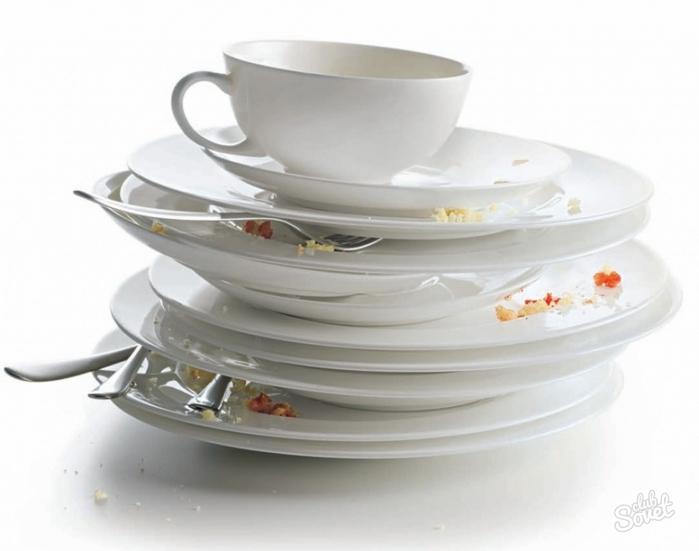 Брюнеткой красивой наказал домохозяйку за немытую посуду