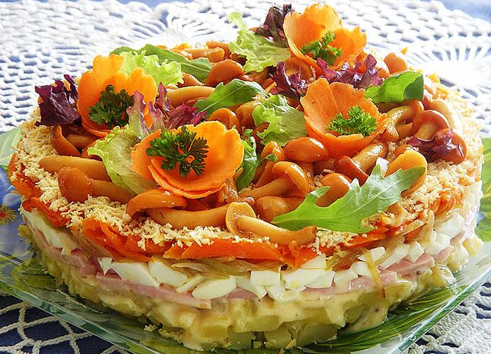 30 м отличный салат с фасолью и морковью.