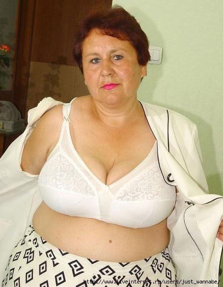 Miss izzy big tits