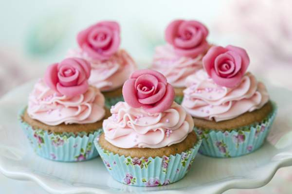 1372786662_cupcake-decorado (600x399, 152Kb)