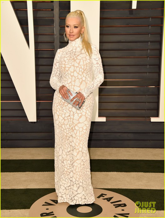 christina-aguilera-vanity-fair-oscars-2015-party-10 (529x700, 89Kb)