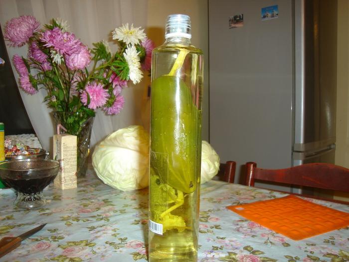 Картинка огурец в бутылке
