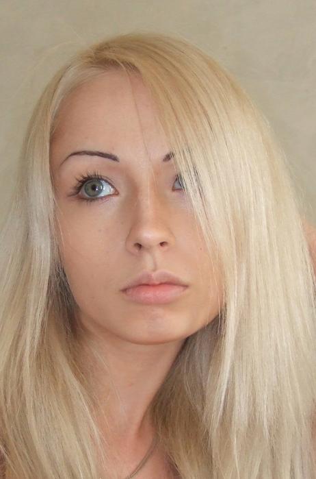 Давно нас не радовала стихами голова с блондопаклей
