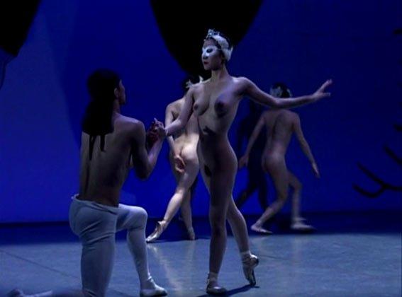Пьяная девушка порно лебединое озеро голый балет без цензуры сучки пляже видео