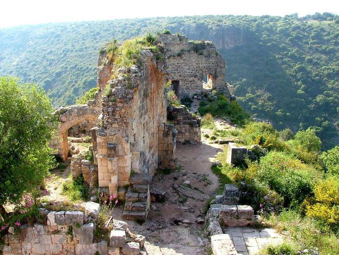Руины европейских замков (700x527, 104Kb)