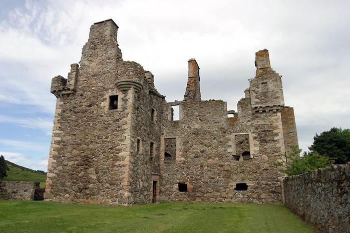 Руины европейских замков (699x466, 61Kb)
