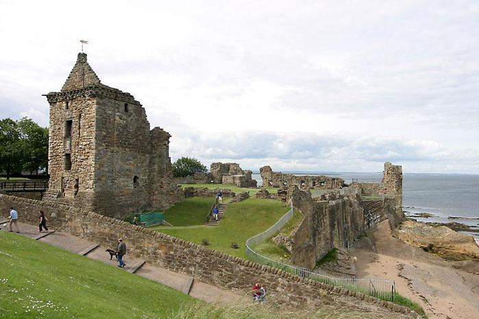 Руины европейских замков (699x466, 56Kb)