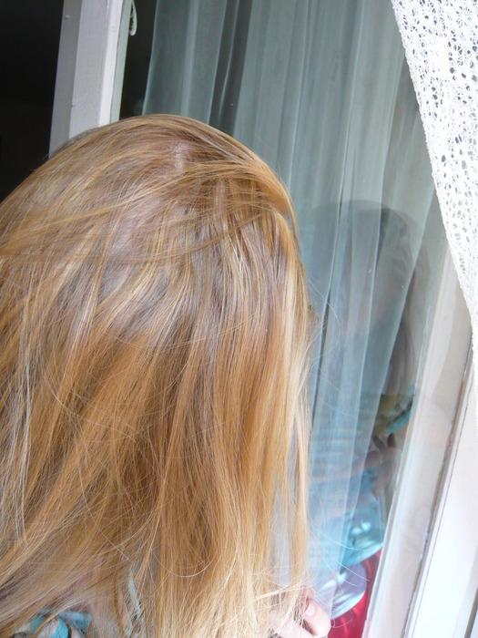 Удовлетворить себя блондинки с длинными волосами сзади изнутри порно