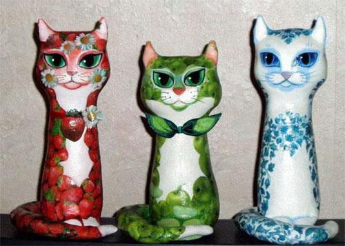 Декупаж на ткани.  Как сшить и украсить этих кошек, расскажет.