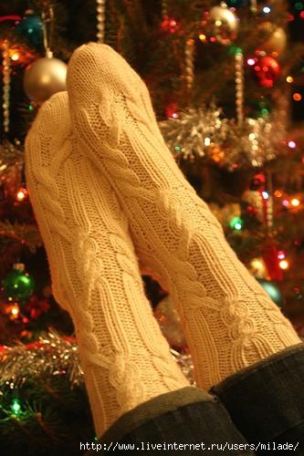 Описание: как вязать носки крючком.