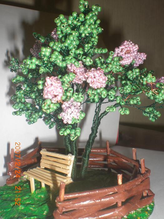 """""""Часть 1 - Мои деревья Часть 2. Сирень из бисера.  Плетение."""